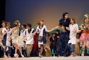 "title=""学生美容ショーの様子""alt=""学生美容ショーの様子"""