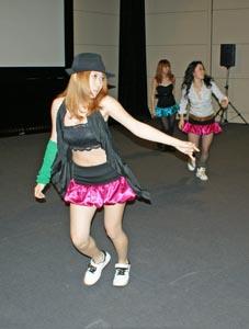 """title=""""ダンスは女性らしさを意識""""alt=""""ダンスは女性らしさを意識"""""""